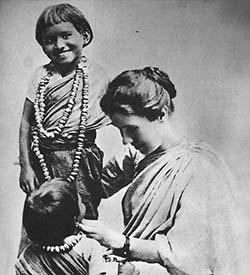 amy-carmichael-with-children